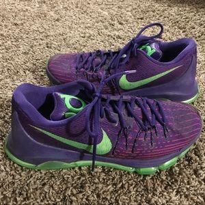 Nike Mens KB 8